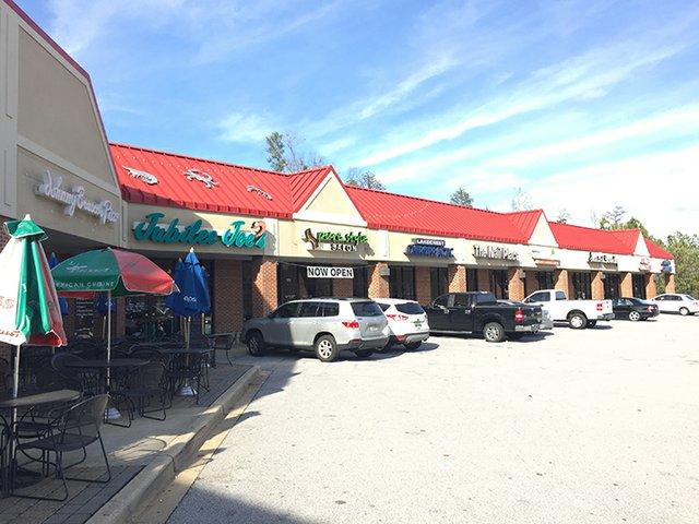 Lake Crest Plaza Shopping Center