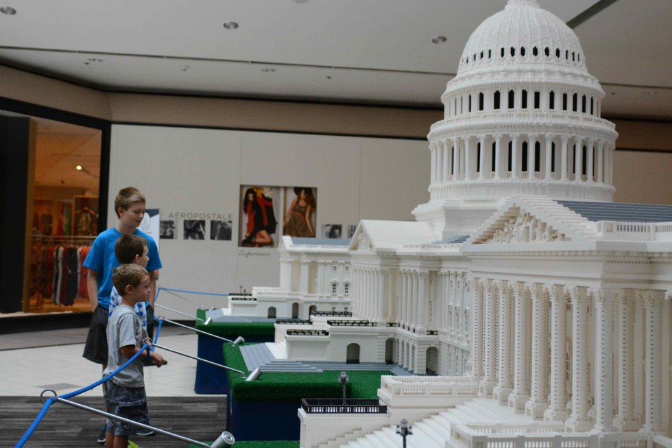 capital microbricks lego lowercase lincoln memorial acapitol