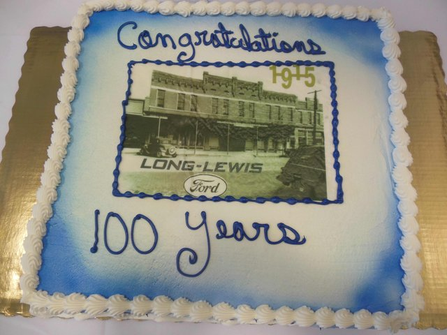 Long-Lewis 100 years cake 1.jpg