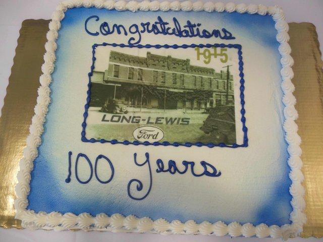 Long-Lewis 100 years cake 1.jpg