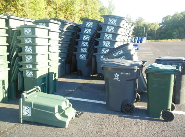 Hoover garbage and recycle carts 10-6-15