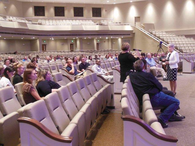 Hoover school rezoning meeting 2 10-8-15 (3)