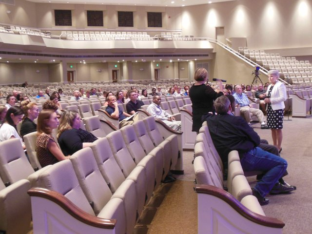 Hoover school rezoning meeting 2 10-8-15 (3)