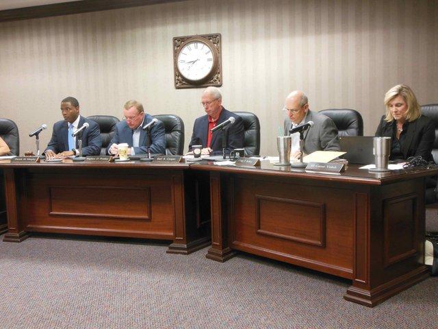 Hoover school board 10-16-15