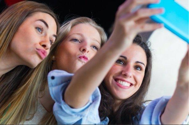 Girls selfies