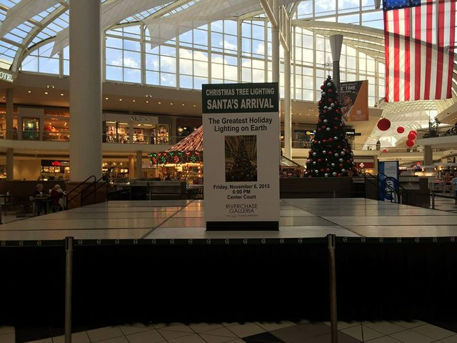 Riverchase Galleria 2015 tree lighting preview