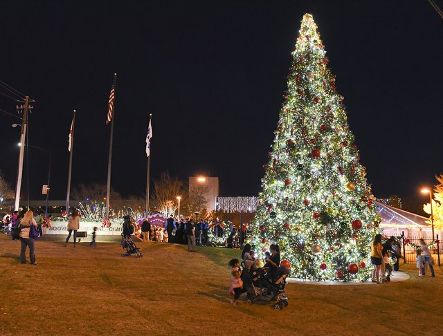 Hoover Tree Lighting.JPG