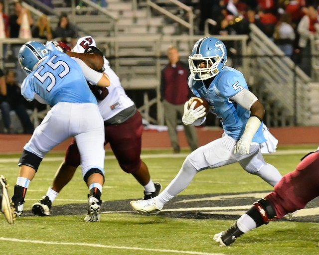 Otis Harris dominates