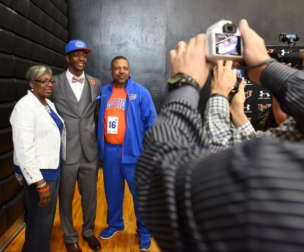 2016 Hoover Signing Day36.JPG