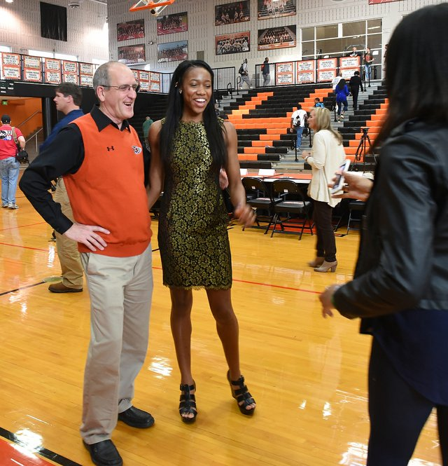 2016 Hoover Signing Day37.JPG