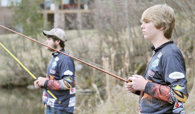 SUN-SPORTS-Bass-fishing-brothers-3.jpg
