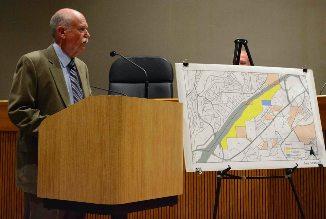 Hoover council votes 6-1 to rezone 273 acres off I-459 to block