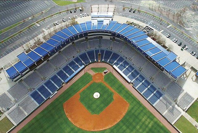 HSUN-COVER-SEC-Baseball-Hoover-Met.jpg