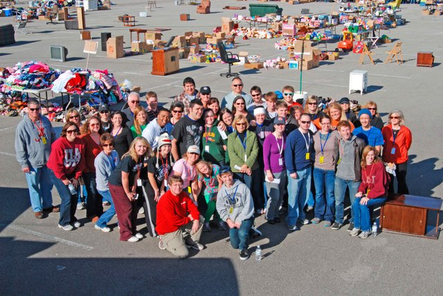 Garage Giveaway volunteers 2013