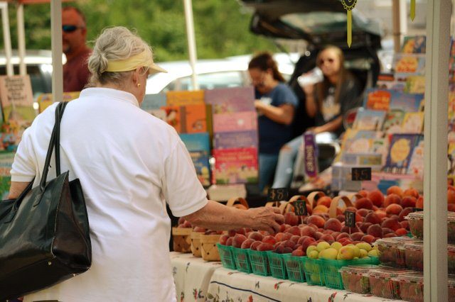 SUN-EVENT-Ross-Bridge-Market.jpg