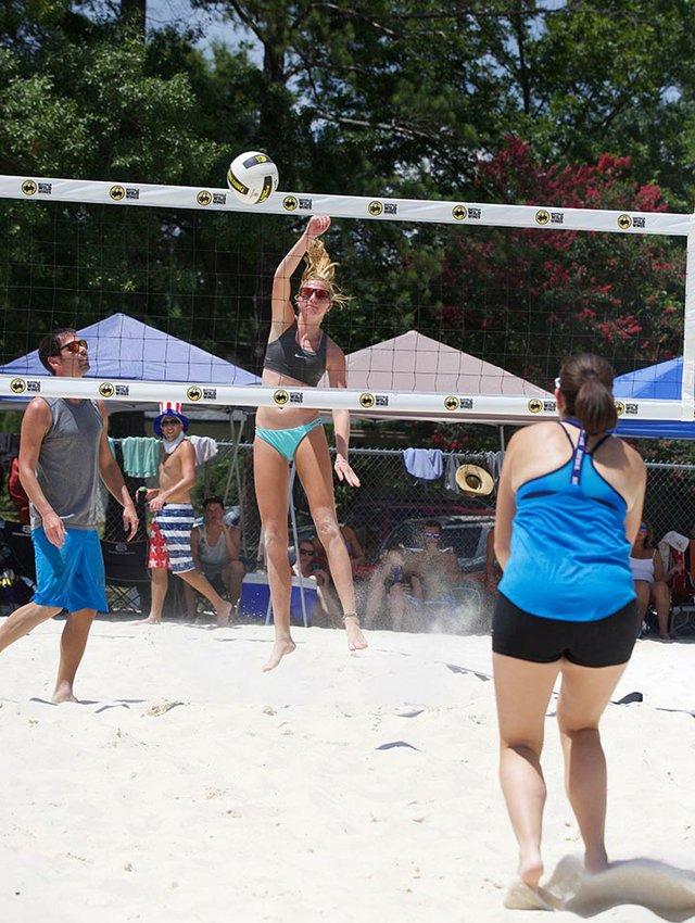 HS FEAT VolleyballGroup2.jpg