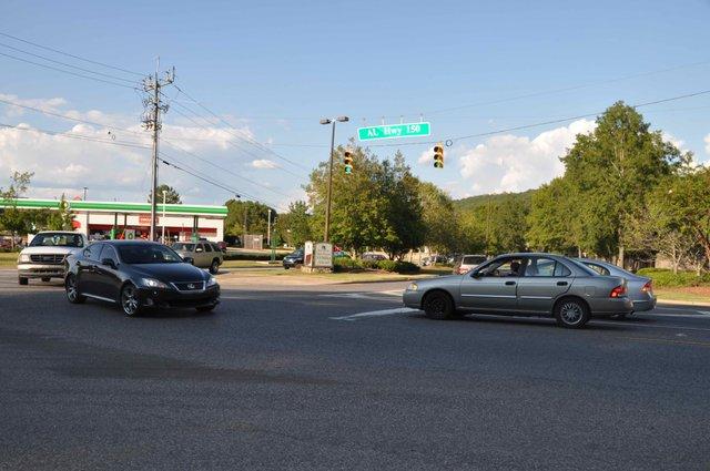 Ross Bridge Parkway left turn lane