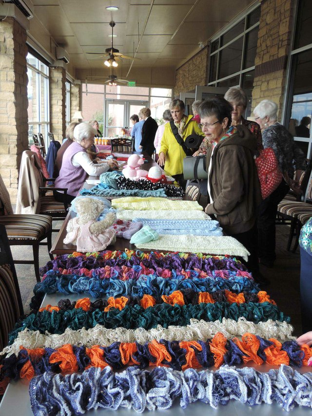 SUN-EVENTS---Hoover-senior-center-craft-event.jpg